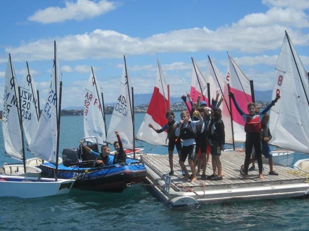 Sous la conduite d'Aurel, lui-même en bateau, le groupe est parvenu au but.