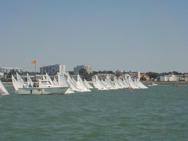Magnifique départ dans la baie de La Rochelle par vent de Sud 10 à 14 nœuds.